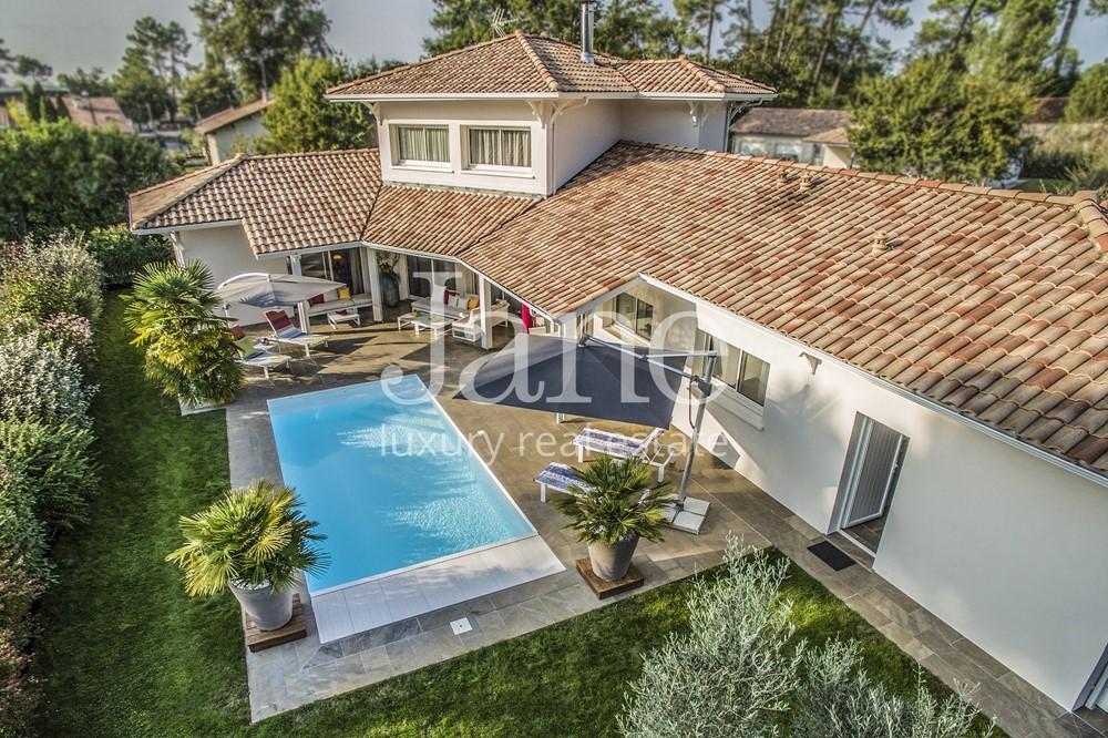Maison avec piscine andernos for Piscine andernos