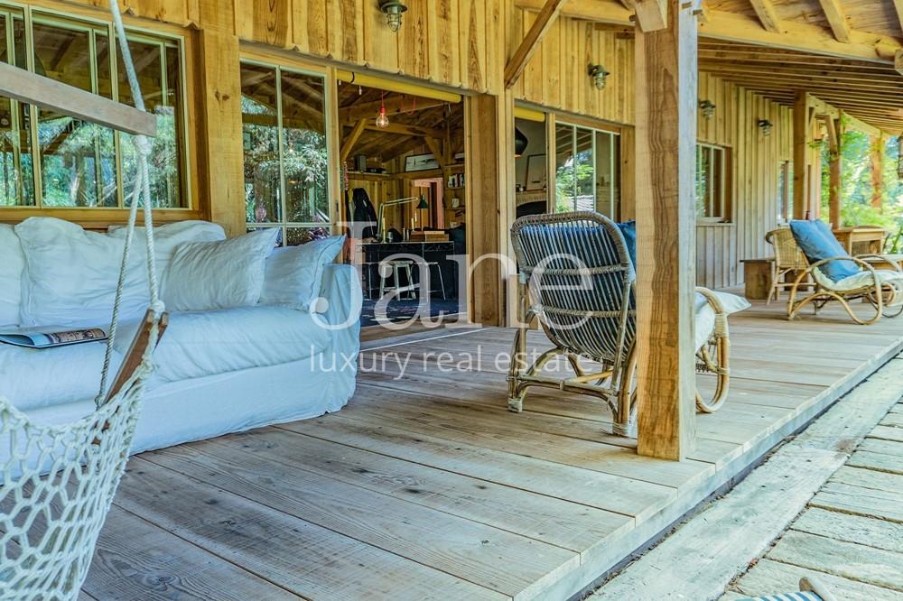 exceptionnelle cabane bartherotte au cap ferret. Black Bedroom Furniture Sets. Home Design Ideas